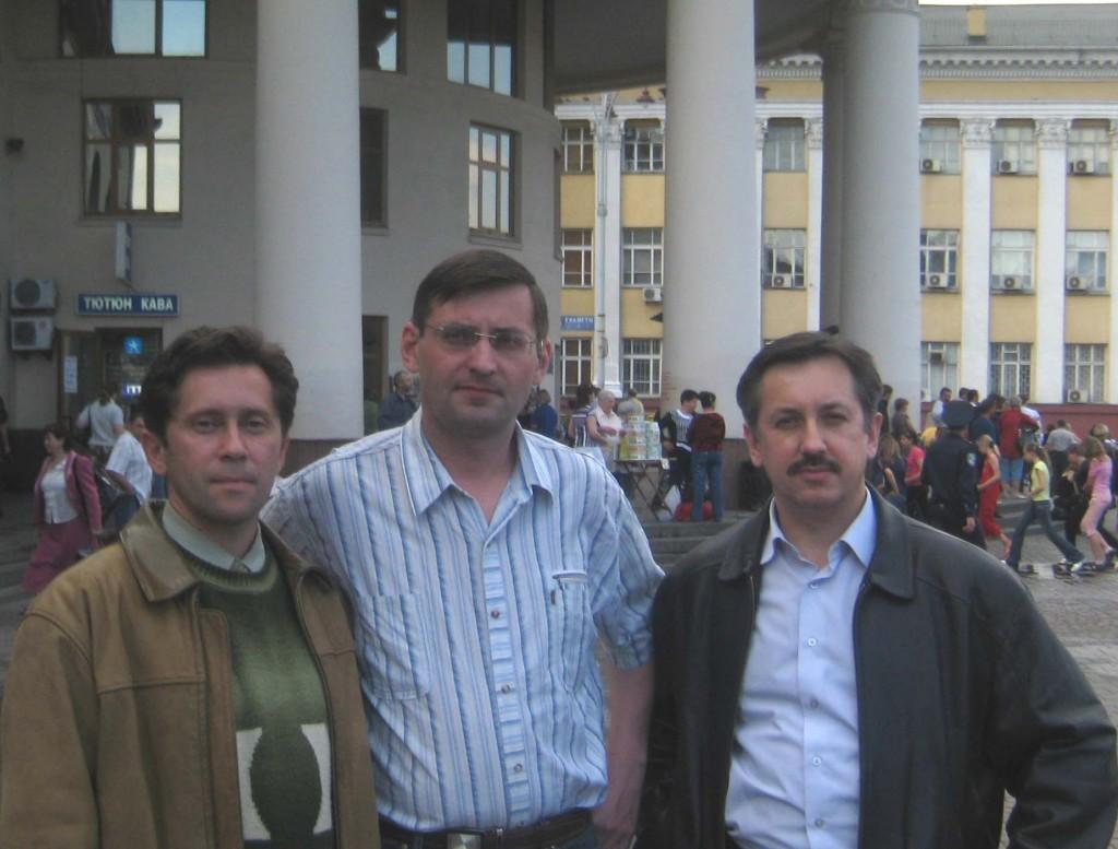 Ю. Леськів, С. Летенко та В. Федорак під час зустрічі в Києві