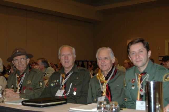 Сіроманці в залі на пленарному засіданні